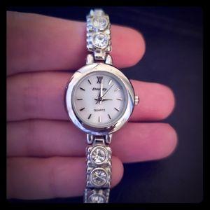 Accessories - EUC Stunning rhinestone stretch bracelet watch